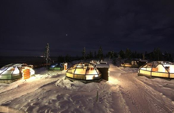 بالصور.. فندق من 24 قبة لمشاهدة أضواء الشمال الساحرة