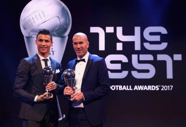 شاهد.. جوائز الفيفا: رونالدو أفضل لاعب لعام 2017.. وزيدان أفضل مدرب وبوفون أفضل حارس