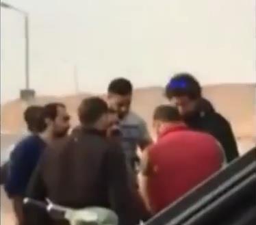 شاهد.. سيدة تساهم في إيقاف عملية اختطاف شاب في مصر وتخليصه من خاطفيه