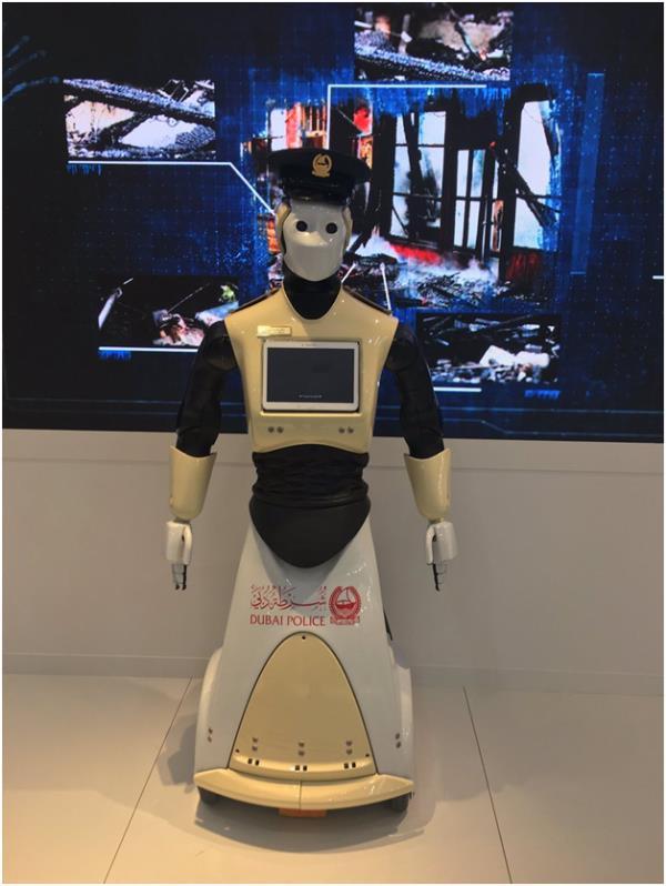 شرطة دبي تعتزم استخدام روبوت في خدماتها - صورة