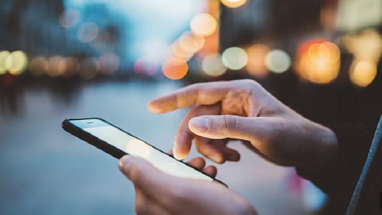 كيف تكشف كذب النساء في الرسائل النصية؟